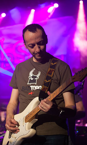 Olivier, guitariste d'IDS, Issue de Secours, French rock band